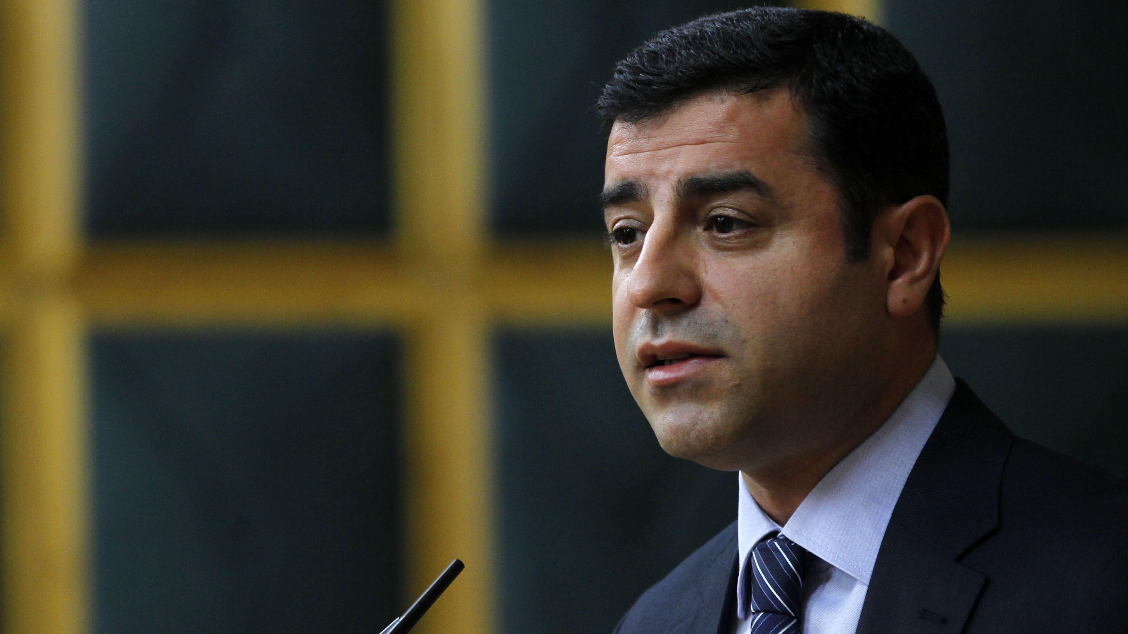 HDP Eş Genel Başkanı Selahattin Demirtaş, partisinin TBMM'de düzenlenen grup toplantısına katıldı. (Mehmet Ali Özcan - Anadolu Ajansı)