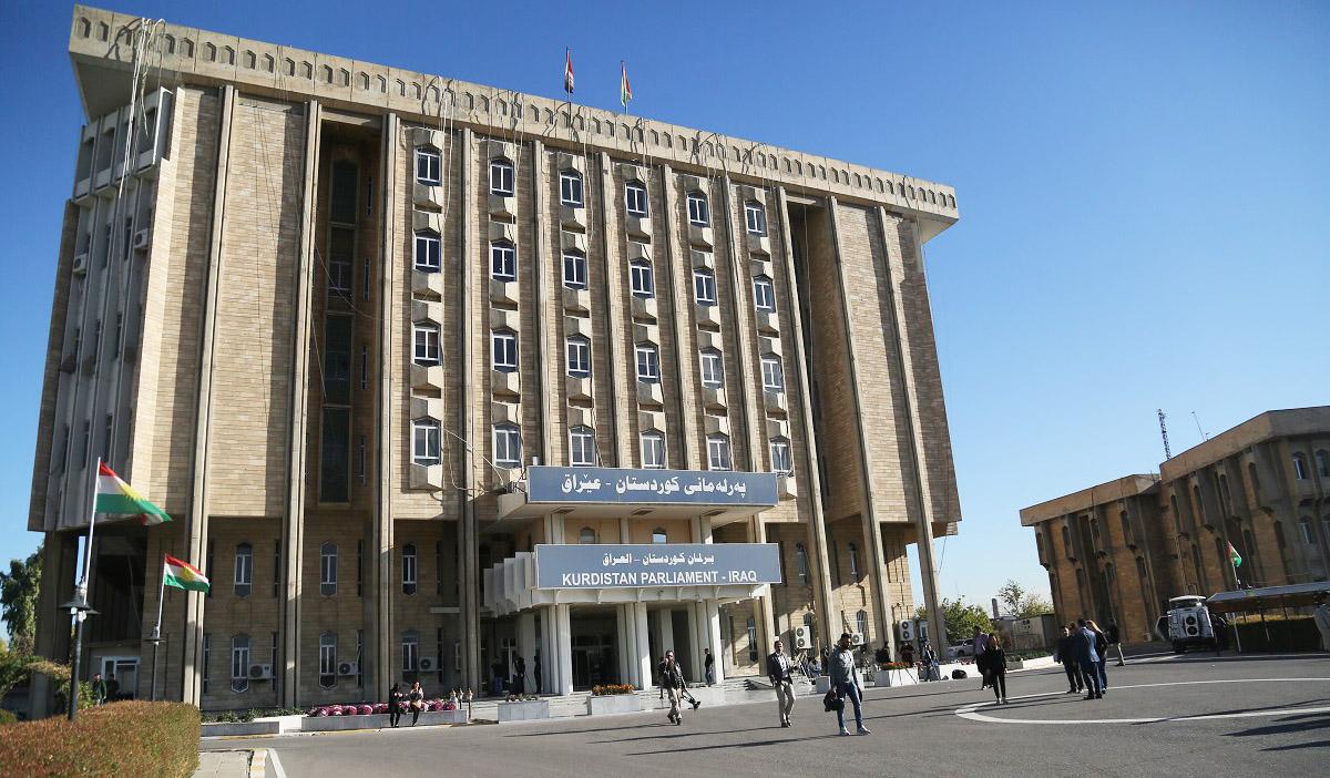 """- سەرۆکى لیژنهى پیشهسازى و وزه وسهرچاوه سرووشتییهكان لە پەرلەمانى کوردستان، شێرکۆ جەودەت: """"هەرێمى کوردستان دواى رووداوەکانى ١٦ ئۆکتۆبەر زیاتر لە سەدا ٥٥ بەرهەمى نەوتیى لەدەستداوە"""".  ( Yunus Keleş - ئاژانسی ئانادۆڵو )"""