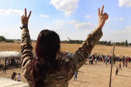 هێرشی تورکیا بۆ سەر سوریا ئەزموونیێکی دەرکەوتووی دیموکراتی لەلایەن کوردەکان دەخاتە مەترسیەوە
