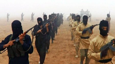 بەرپرسێکى پارتى:لەناوچەى خانەقین، شەوانە داعش بە ئاشکرا هێرش دەکات و بازگەى سەربازى دادەنێت!!